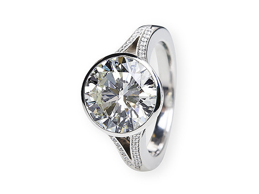 5ct Diamantring in Hamburg, bei Juwelier Wilm, Ballindamm
